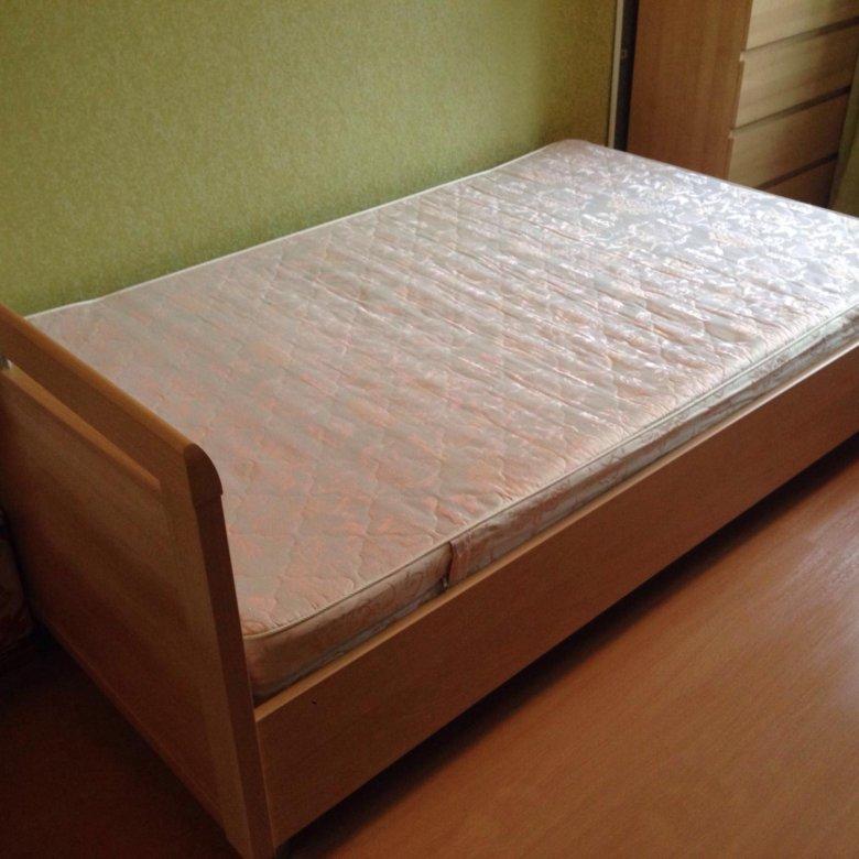 этом смотреть картинки кровати полуторки собаке резко