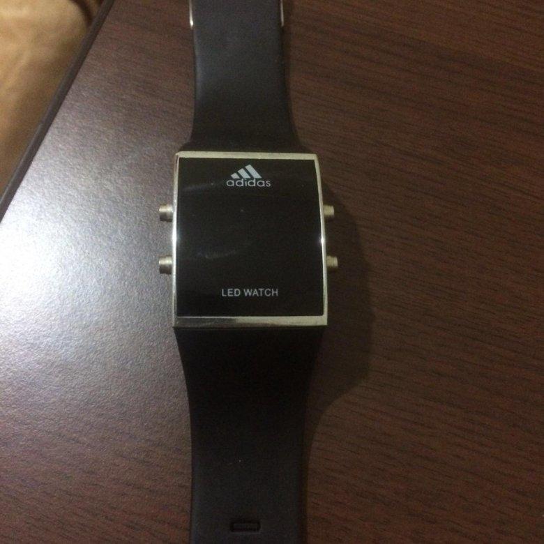 Мужские часы на распродаже со скидкой до 80%.