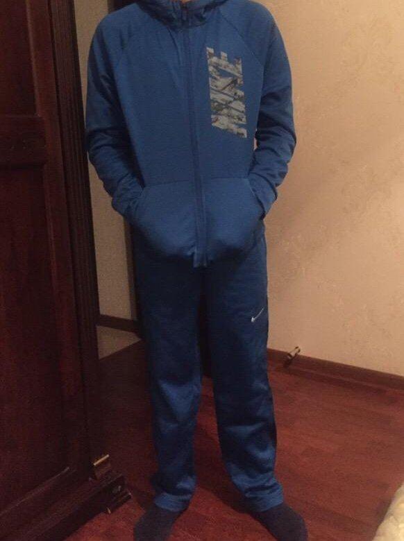 07c35a49 Спортивный костюм Nike на подростка, оригинал. – купить в Нальчике, цена 4  000 руб., продано 1 января – Спортивная одежда