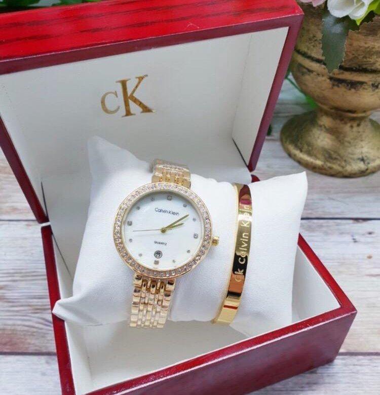 Подарочные часы продать часов оптом скупка