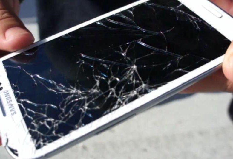 как можно вынуть фото из разбитого телефона крови