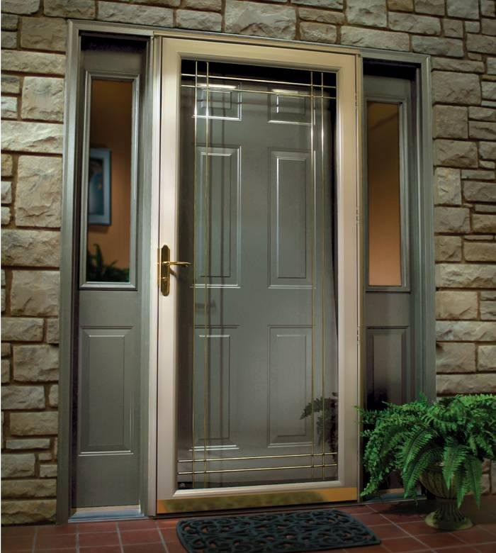 Входные двери с окнами по бокам фото