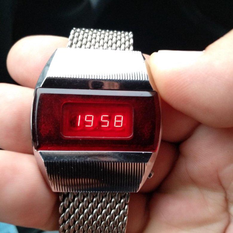 Часы электроника 1 продам часы сдать старинные