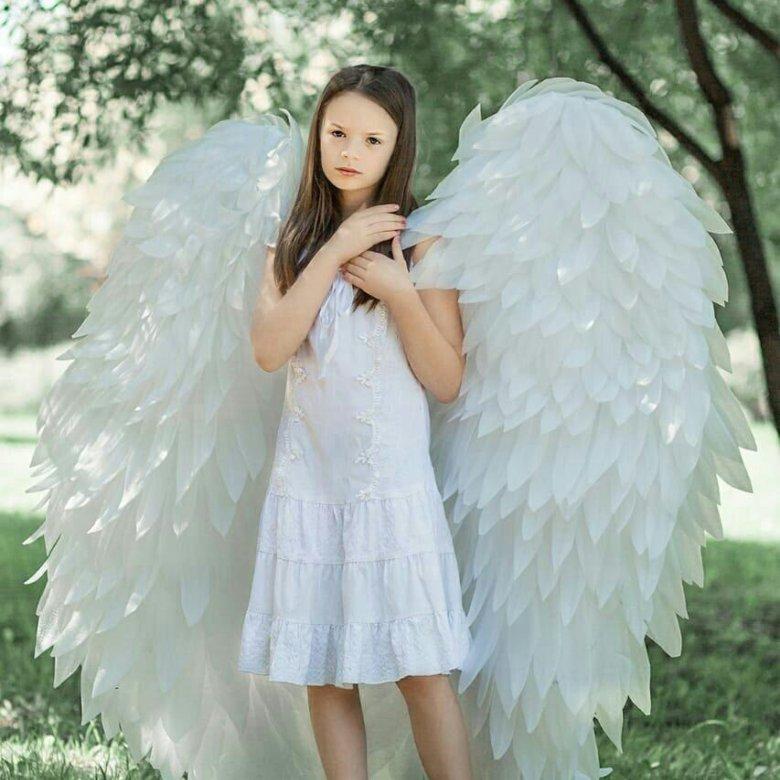 азиатов аренда крылья для фотосессии понимает состояние тех