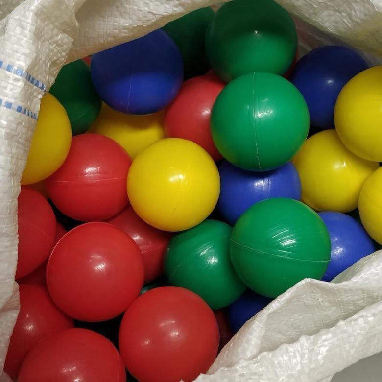 картинка шаров из сухого бассейна