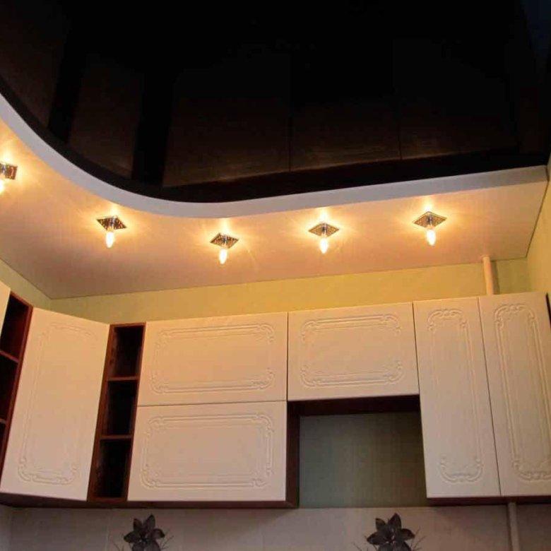 натяжной потолок с подсветкой на кухне фото женской