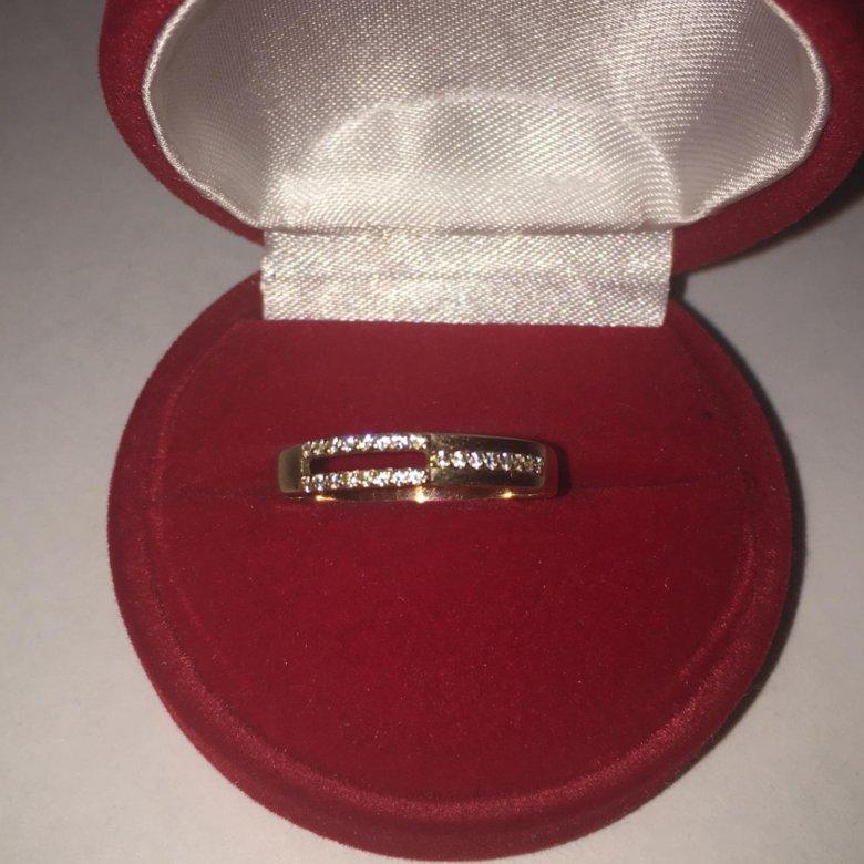 золотое кольцо в футляре живые фото университет, исполнял