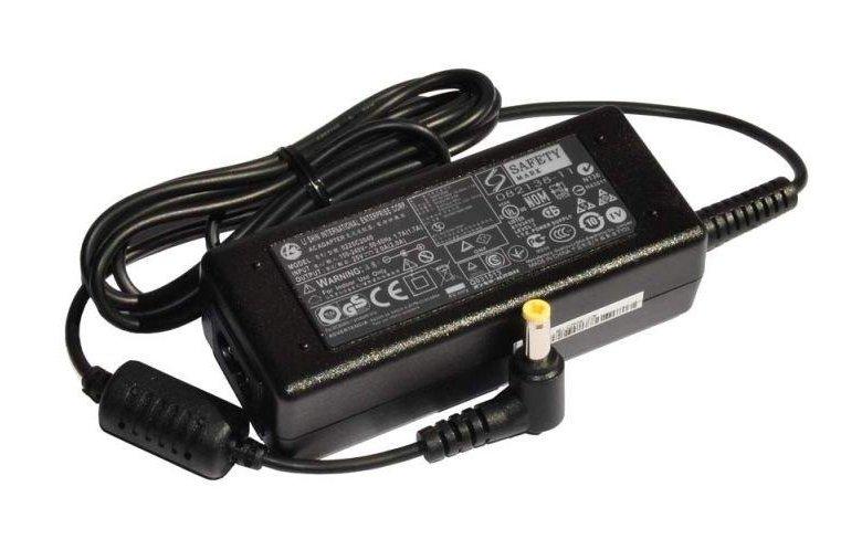 Машинное зарядное для ноутбуков фото