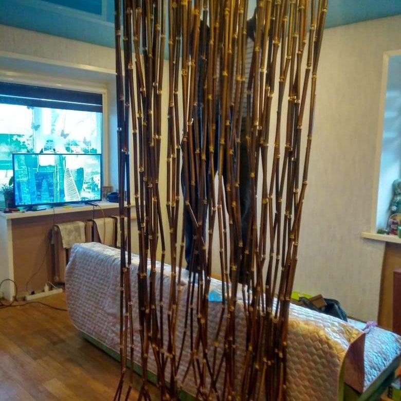 Фото висюлек из бамбука на межкомнатные двери
