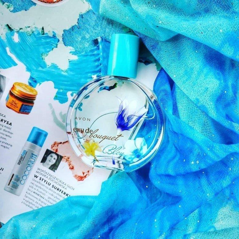 eau de bouquet bleu