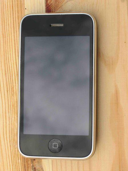 IPhone 3 в Щелково