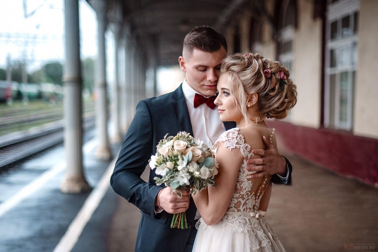 должен ли клиент возить фотографа на свадьбе для работы