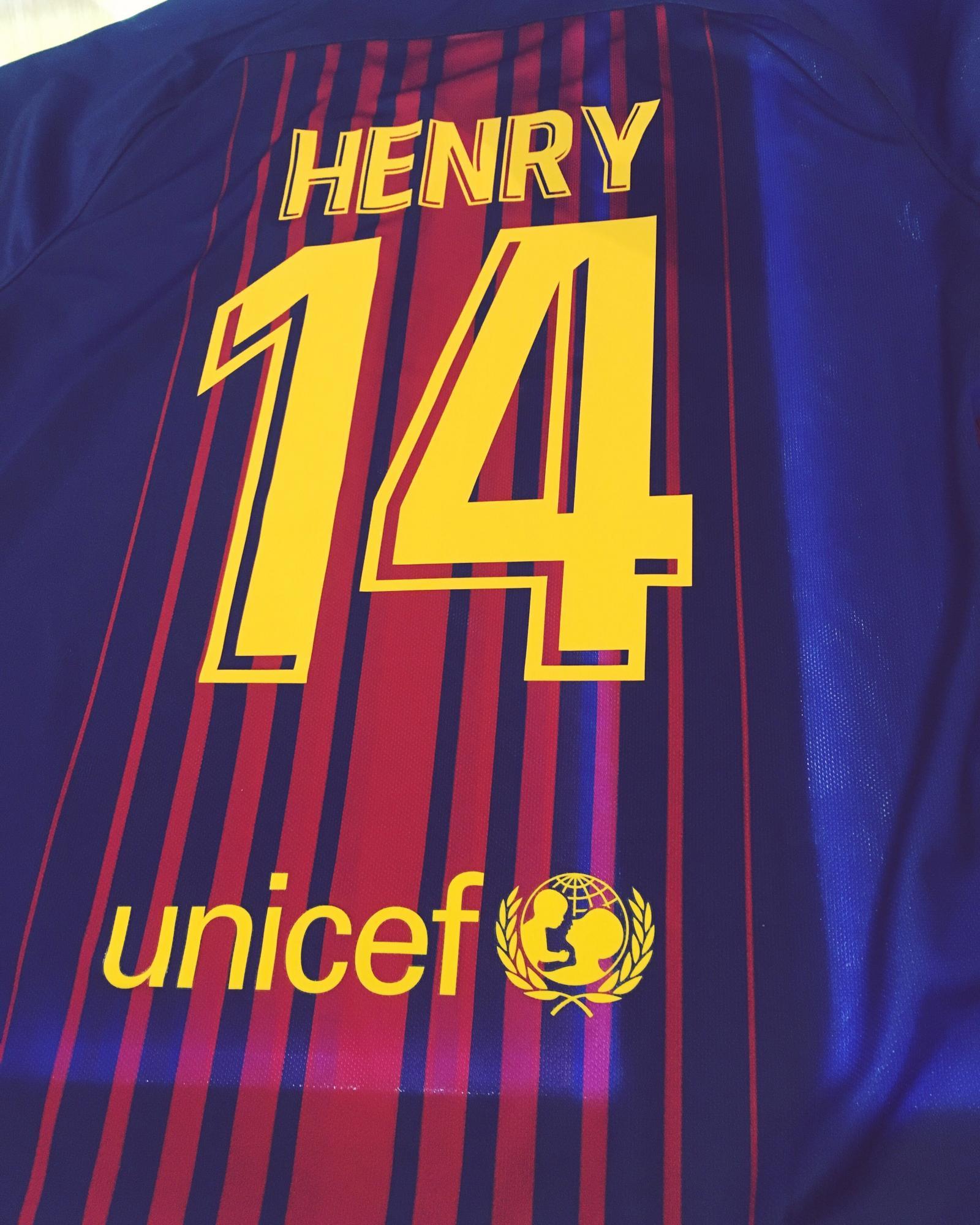 Футбольная майка(Barcelona Henry) в Москве
