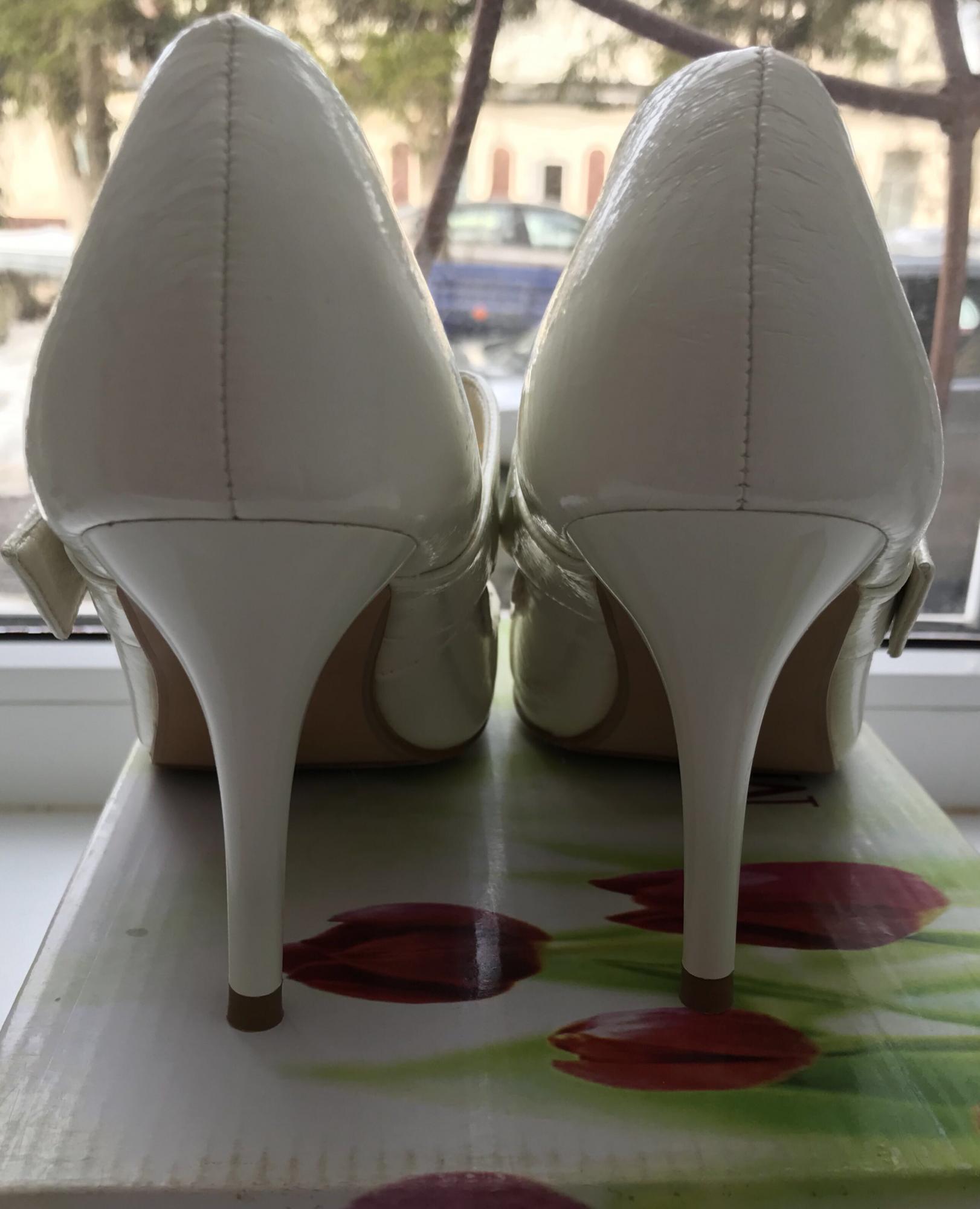 Новые туфли белые р.36 89269379102 купить 3