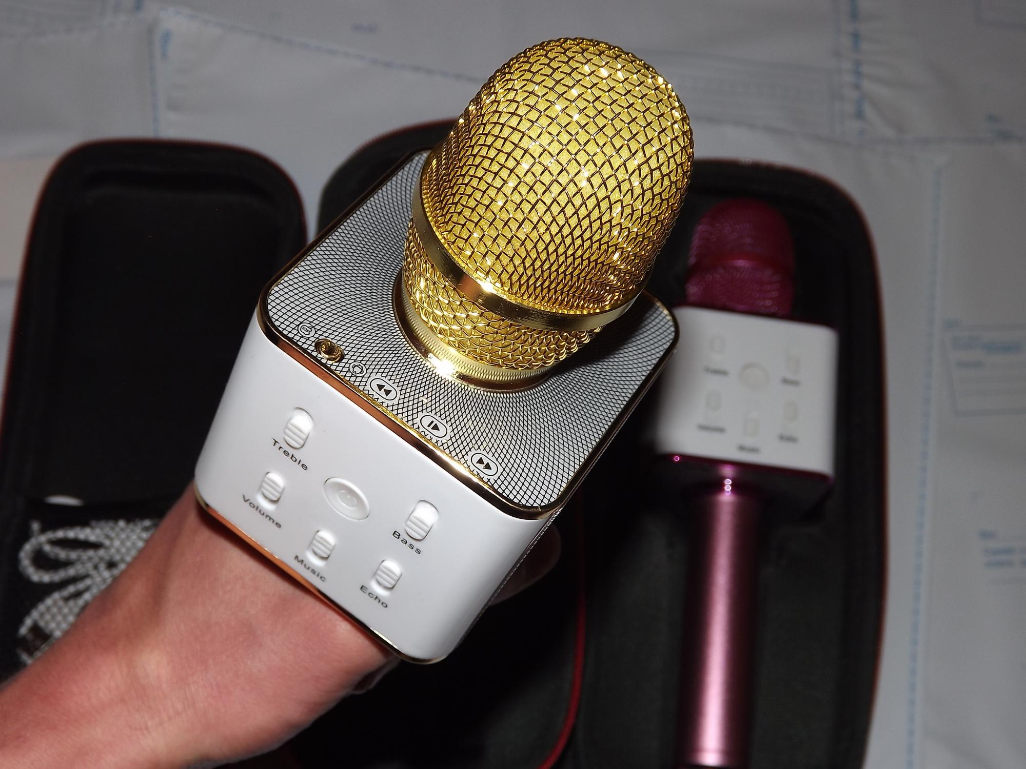 картинки золотого микрофона с колонкой есть смысл