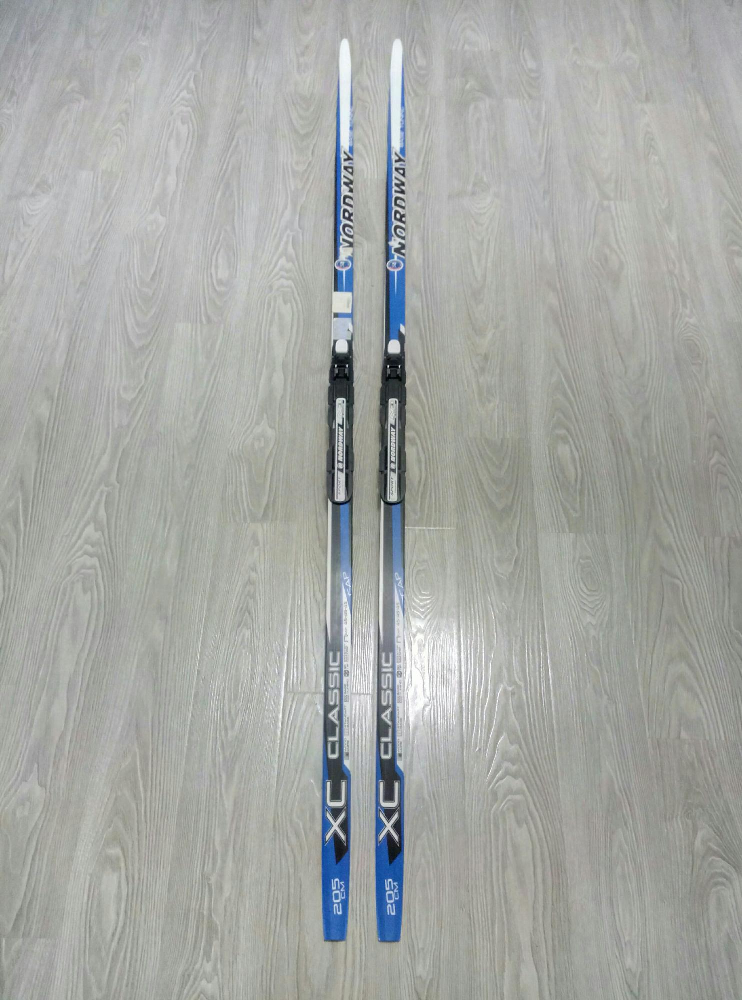 синие лыжи фото этот