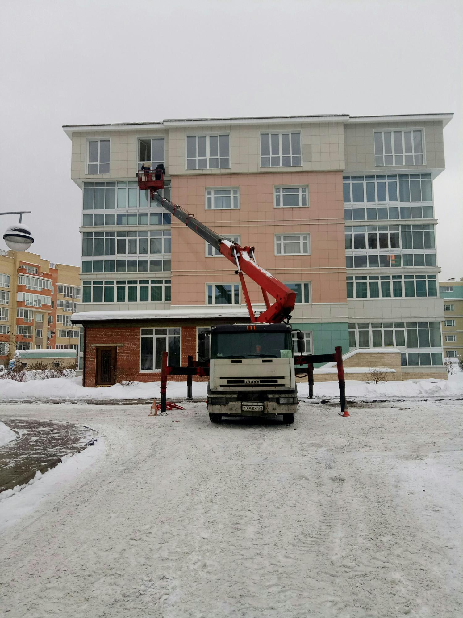 Аренда Автовышки и Машины Прикрытия в Москве