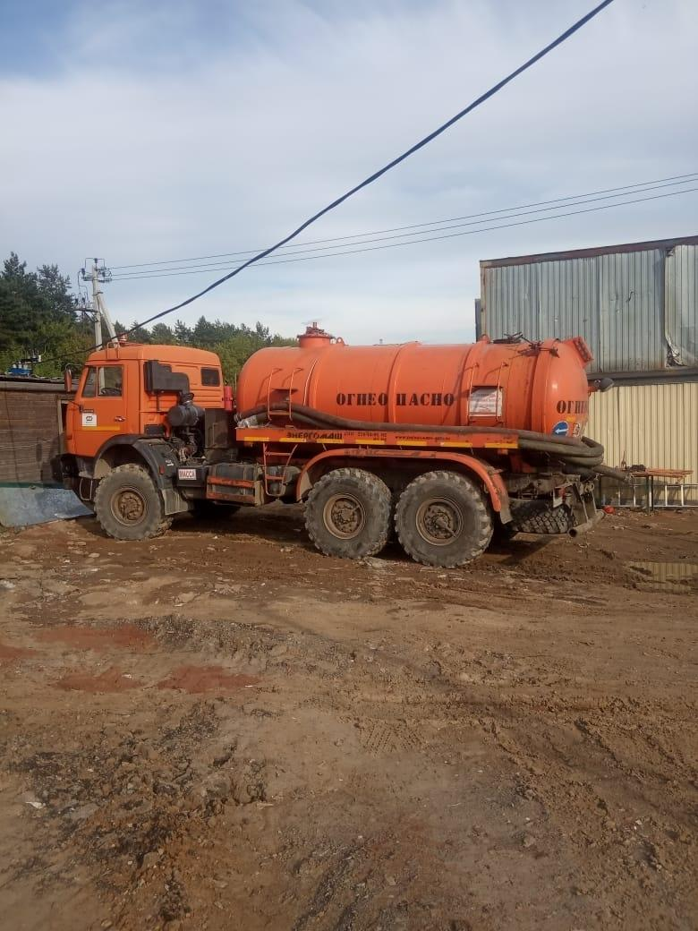 The provision of services by the sludge pump in Moscow