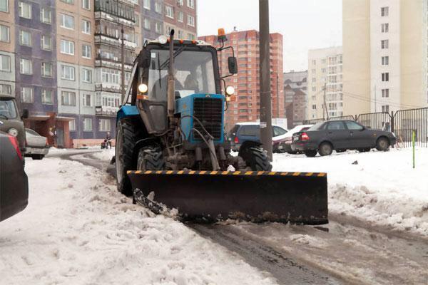 Аренда трактора уборка снега в Москве 89776987047 купить 1