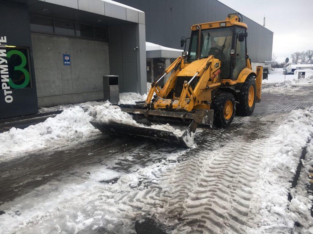 Аренда трактора уборка снега в Москве 89776987047 купить 2