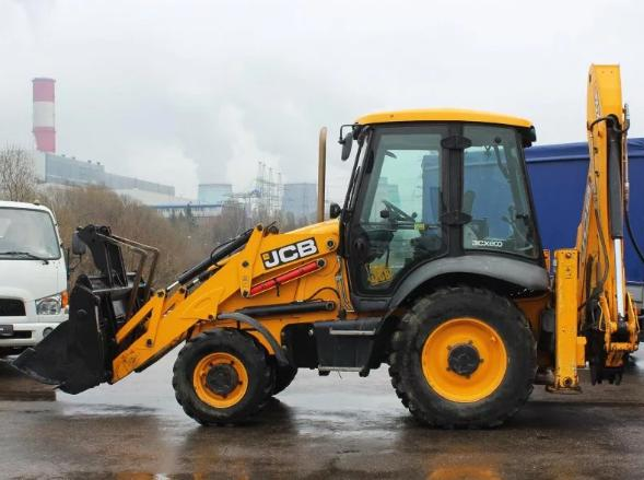 Rent Excavator loader at any time in Moscow